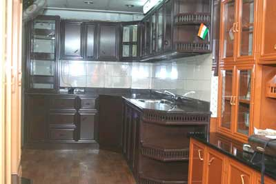 Royal aluminum kitchen cabinets in vinayaka nagar for Aluminium kitchen cabinets hyderabad